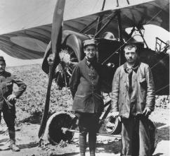 1915 - Guynemer et Guerder, après leur première victoire